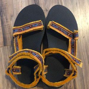 Tevas Flatform Maressa Sandals